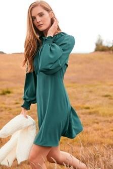 Мини-платье с воротником