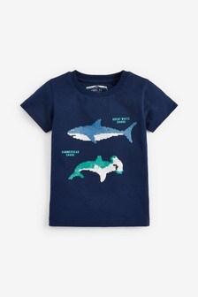 Tričko s krátkymi rukávmi a flitrovaným motívom žraloka (9 mes. – 7 rok.)