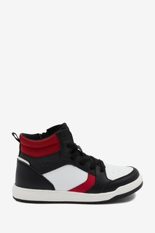 Высокие ботинки со шнуровкой