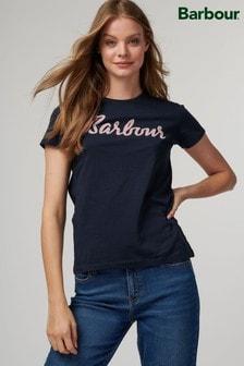 חולצתטי שלBarbour® Coastal דגםRebecca עם לוגובצבעיורוד וכחול כהה