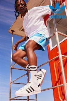 נעלי ספורט מסדרת Originals של adidas, מדגם Superstar