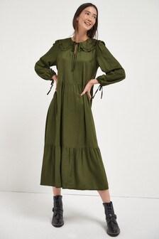 Платье с закругленным воротником