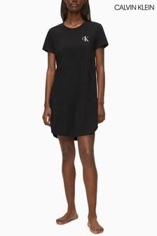 قميص نوم أسود من Calvin Klein