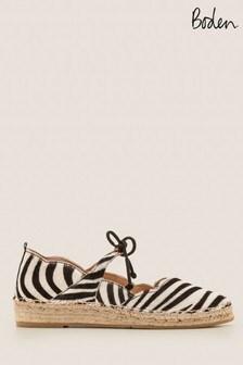 حذاء خفيف سهل اللبس Isabella نقش جلد النمر من Boden