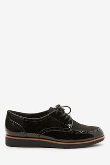 נעלי שרוכים עם סוליה גסה ועיטור אוקספורד שלForever Comfort®