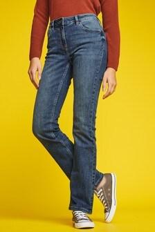 Расклешенные книзу джинсы