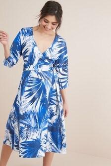 Трикотажное платье с запахом