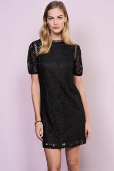 Кружевное цельнокройное платье