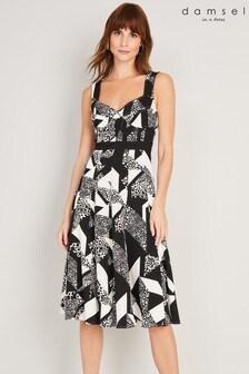 שמלה מודפסת שחורה דגםZayna שלDamsel In A Dress
