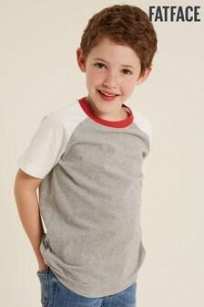 Sivé tričkoFatFace s kontrastnými raglánovými rukávmi