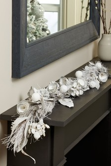 Decorative Wooden Garland