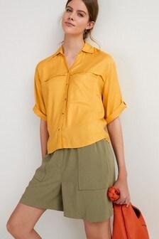 """חולצת דגמ""""ח עם שרוולים קצרים"""