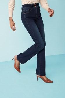 Моделирующие расклешенные джинсы