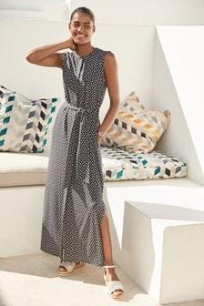 فستان متوسط الطول منقط