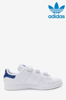 Baskets adidas Originals Stan Smith blanches/bleu marine à fermeture velcro