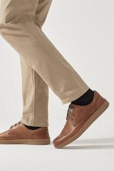 Schoenen met gewaxte zijkanten