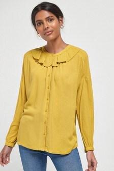 Блузка с оборками на горловине