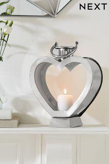 Srčno oblikovana kromna svetilka