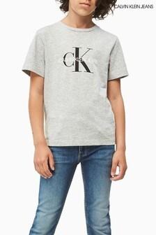 تي شيرت شعار حروف أولى جينز رمادي من Calvin Klein