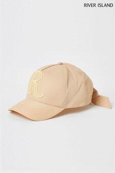 כובע מצחיה עם רקמהOG R בצבע גוף שלRiver Island