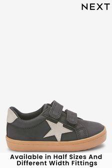 Schoenen met sterren en klittenbandsluiting (Jonger)