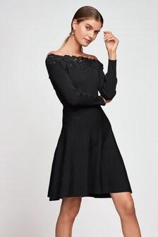 Кружевное платье клеш с открытыми плечами