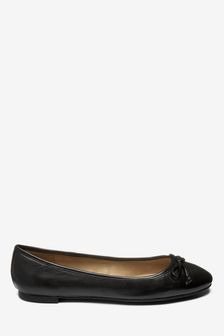 Round Toe Leather Ballerinas