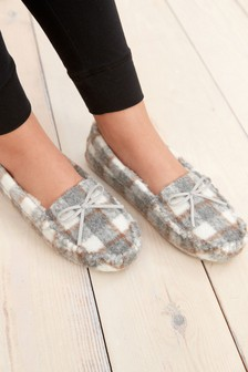 Moccasin Slippers (588571)   $28