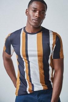 T-shirt met verticale strepen