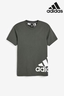 تي شيرت بشعار من الجنب من adidas