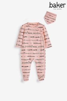 Baker by Ted Baker粉色印花連身睡衣和圍兜組合