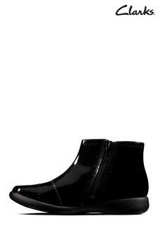 Черные ботинки Clarks
