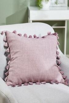 Подушка с кисточками по краям