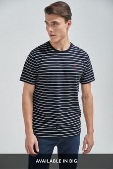 Gestreiftes T-Shirt in regulärer Passform mit Hirschmotiv