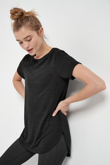 חולצת טי ספורטיבית עם שרוול קצר