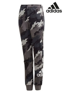 adidas Badge Of Sport Jogginghose mit Camouflage-Muster