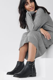 Forever Comfort Stud Chelsea Boots