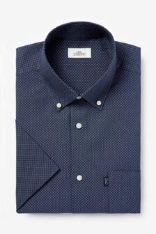 標準款剪裁易燙紐扣牛津短袖襯衫