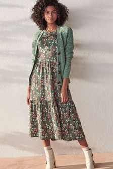 Vrstvené midi šaty