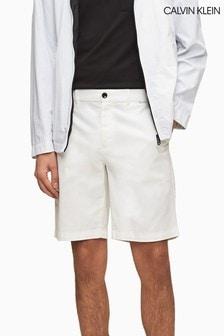 Calvin Klein Slim-Chinoshorts mit Garnfärbung, Weiß