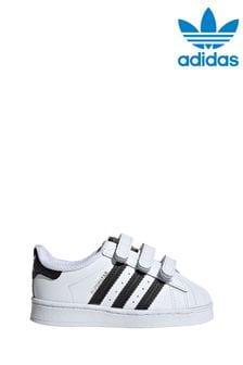 حذاء رياضي للأطفال الصغار بحزام لاصقSuperstar منadidas Originals