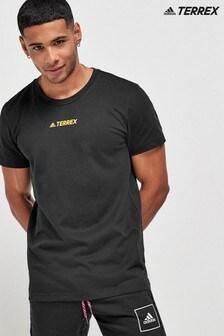 חולצת טי עם כיתוב שלadidasדגםTerrex