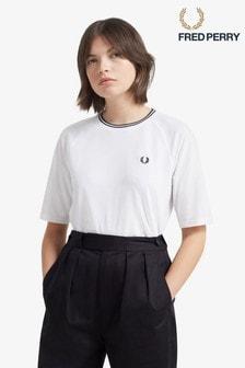 Fred Perry Pikee-T-Shirt mit zwei Zierstreifen