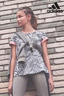 Tričko adidas s celoplošnou potlačou tropických rastlín