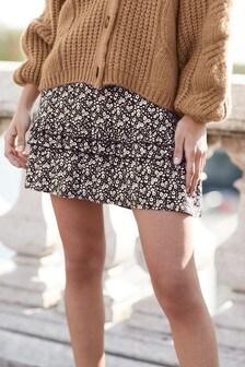 Развевающаяся при ходьбе юбка
