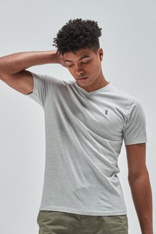 Slim fit tričko s véčkovým výstrihom