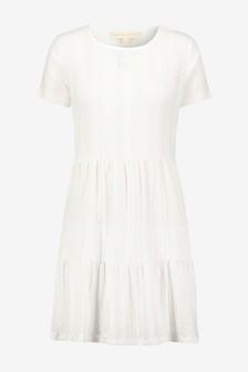 Платье-рубашка с коротким рукавом и вышивкой