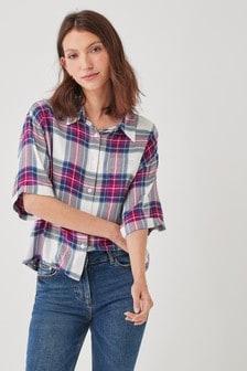 חולצת משבצות עם שרוול קצר