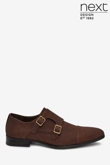Schuhe aus Velourslederimitat