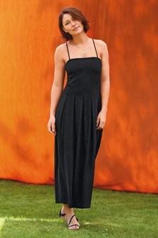 שמלת פשתן של Emma Willis